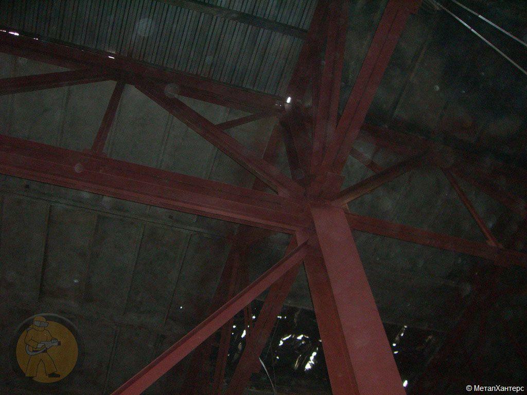 Очищенный после пожара бетонный потолок. Завод АЗЛК г. Москва