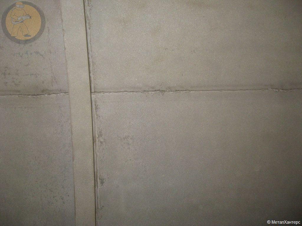 Нанесение цинкового металлизационного покрытия на вышку сотовой связи.